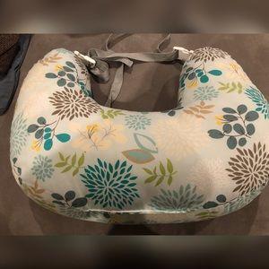Boppy Best Latch Breastfeeding 2-Sided Nursing Plw